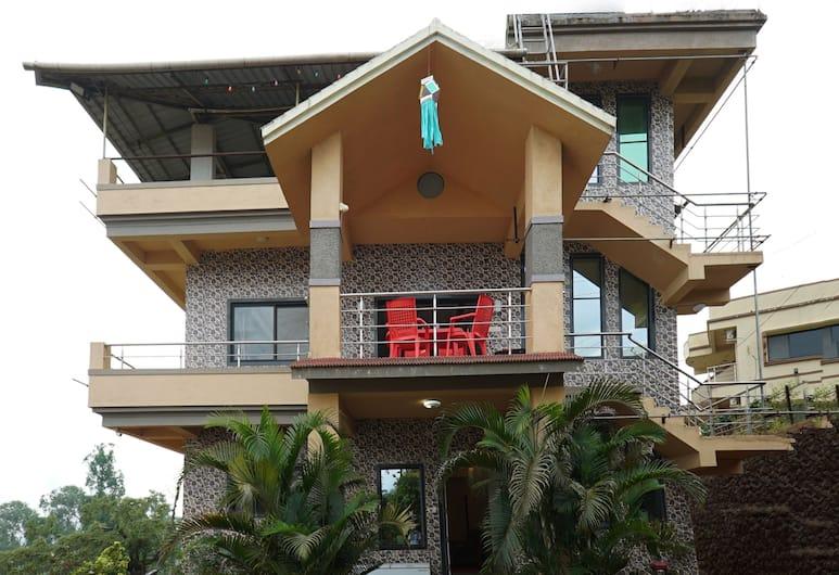 OYO 23696 Hotel Sai Vihar, Mahabaleshwar, Property Grounds