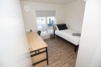 Hình ảnh Stay With Ease Hospitality! 2 Bed 1 Bath tại Edmonton