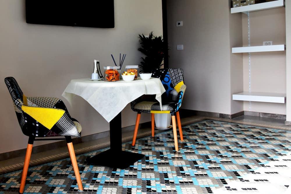 Junior Suite, Kitchenette - Ruang Tamu