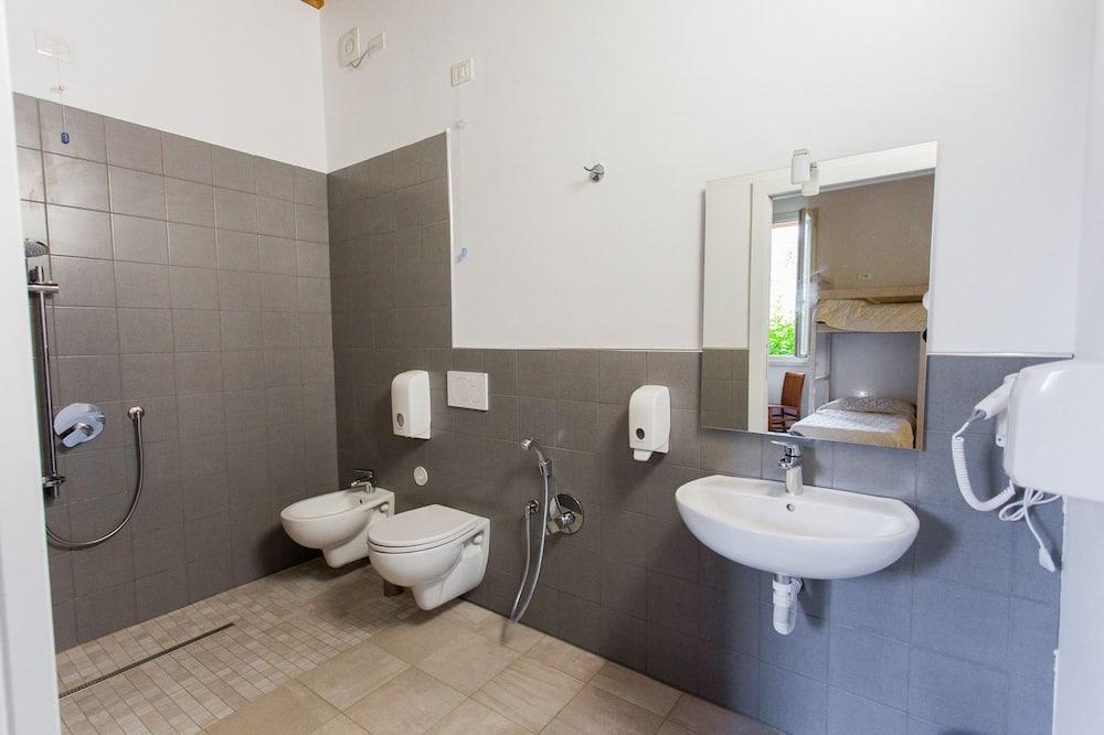 Family Δωμάτιο, Ιδιωτικό Μπάνιο - Μπάνιο