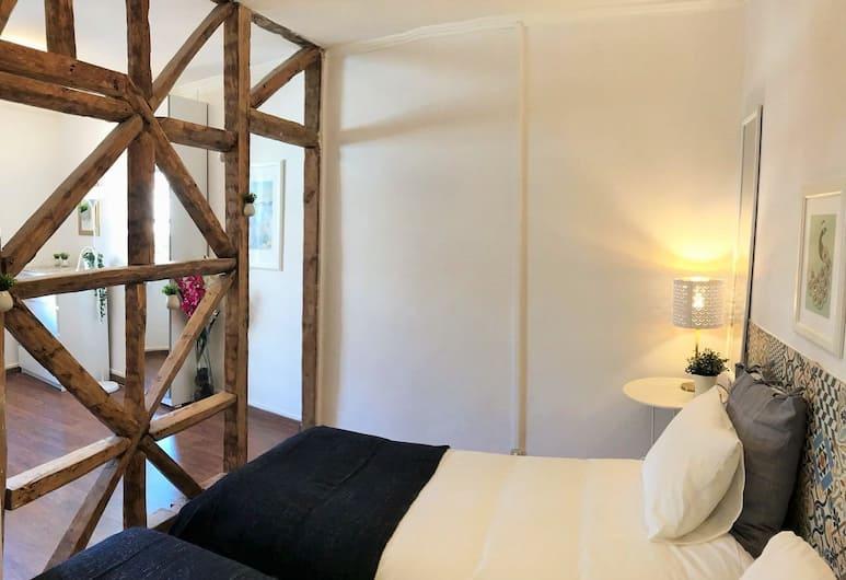 Beautiful charming flat, Lisbon, Apartment, 2 Bedrooms, Room