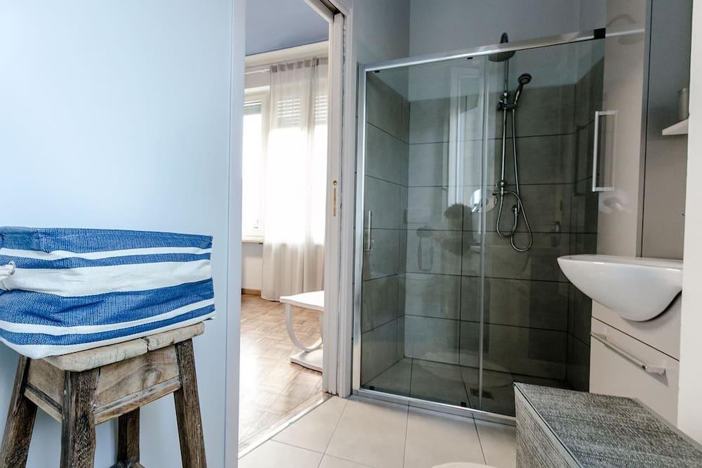 Comfort-værelse til 3 personer - udsigt til have (Carrera) - Badeværelse