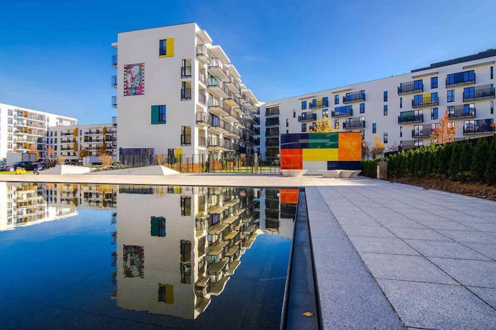 ClickTheFlat Artistic Estate Apartment