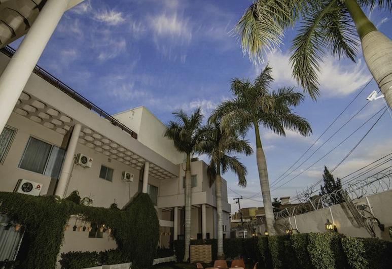 Vip House, เปชวาร์, บริเวณโรงแรม