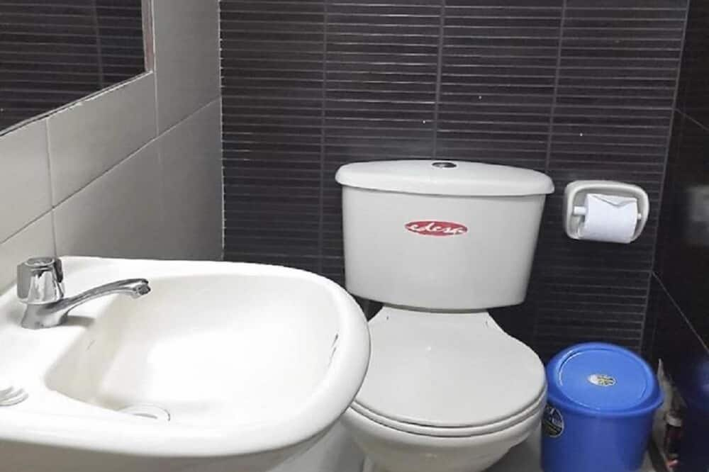 Двухместный номер с 1 двуспальной кроватью, 1 двуспальная кровать - Ванная комната