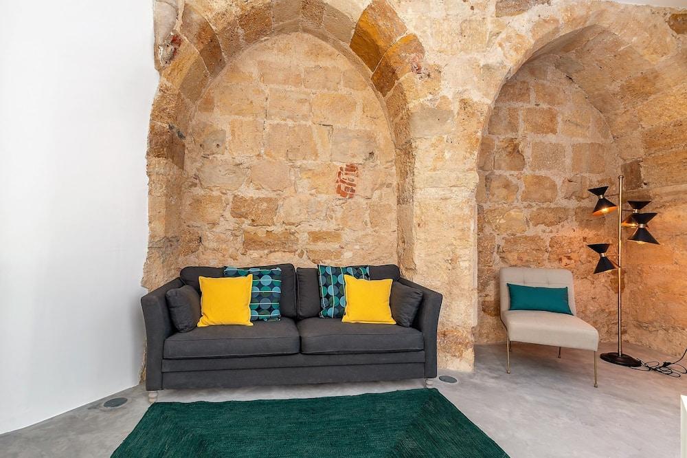 Traditional-pientalo, 5 makuuhuonetta - Oleskelualue