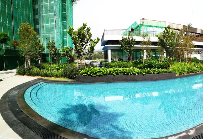 OwnAstay @ Midhills Genting, Genting Highlands, Outdoor Pool