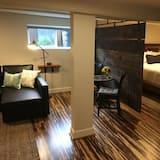 Maple Suite - Guest Room