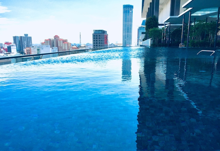 Tropicana 218 Macalister, George Town, Luxusný bazén
