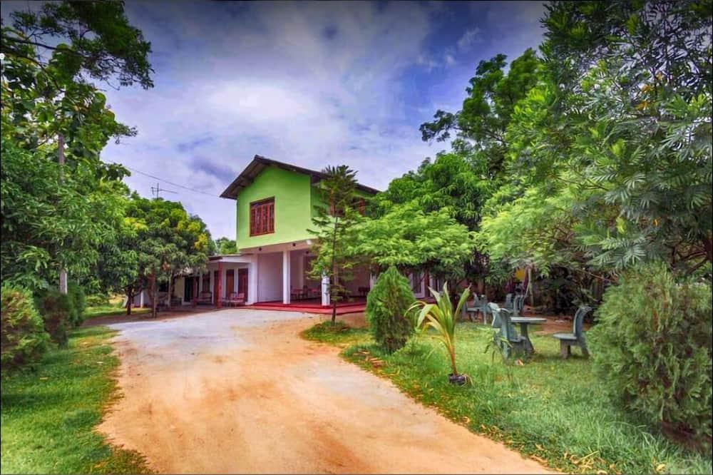 Jayaru Guest House