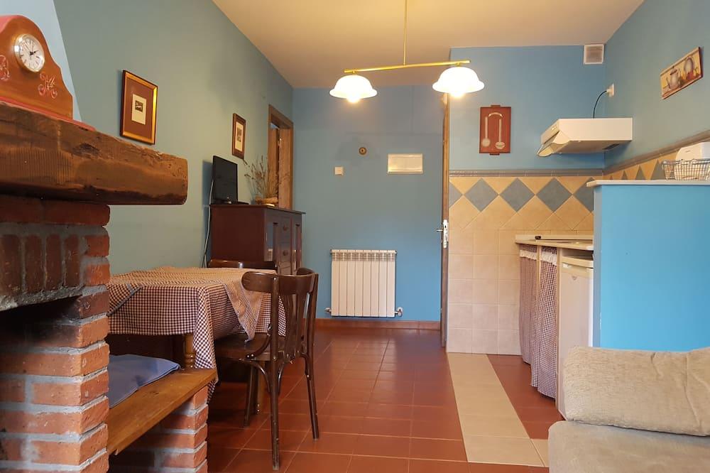 Apartment, 1 Bedroom, Mountain View (Garrido) - Living Area