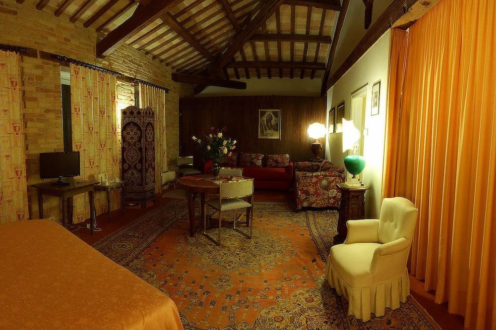 חדר קלאסי זוגי, נוף לגבעה - אזור מגורים