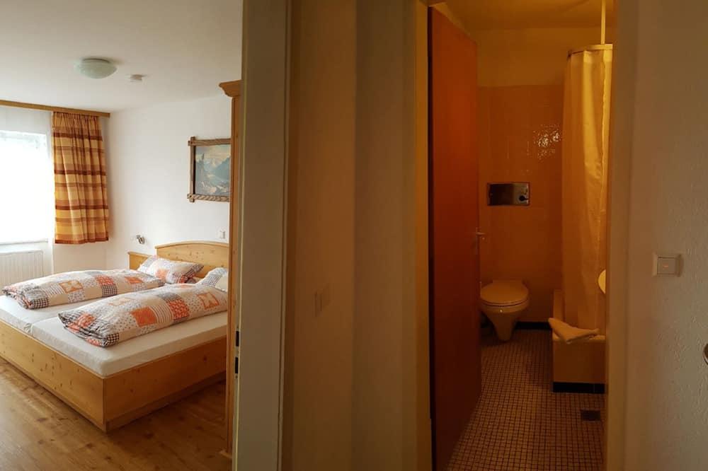 Værelse til 3 personer (Room 8) - Badeværelse