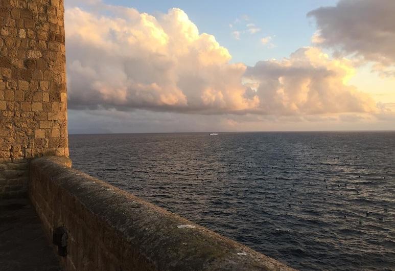 International Naples, Naples, Pantai