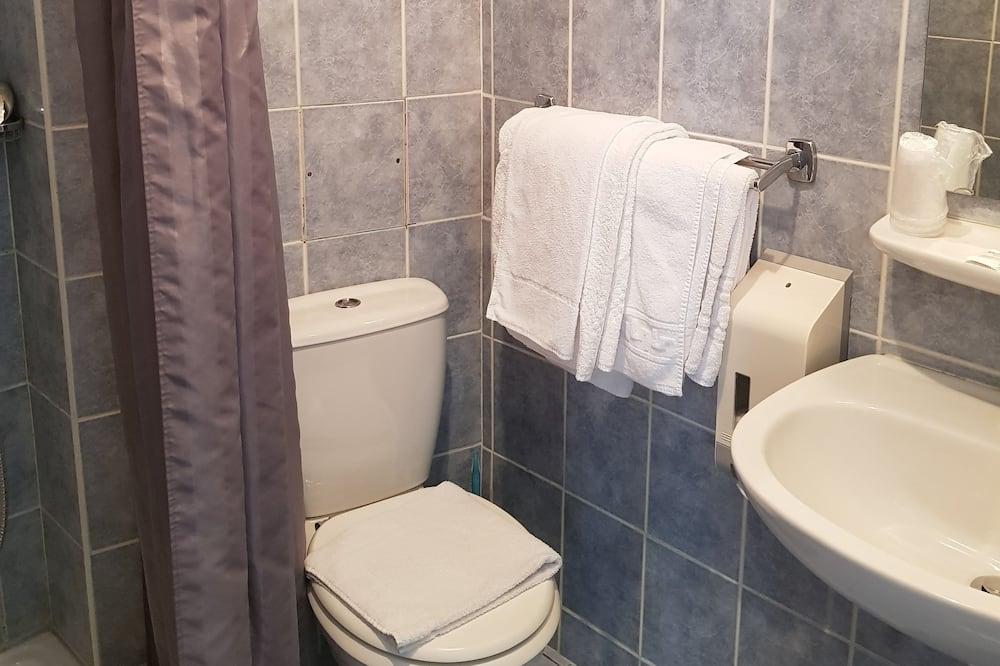 Classic Double Room, 1 Queen Bed, City View - Bathroom