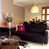House, 4 Bedrooms, Terrace - Living Room