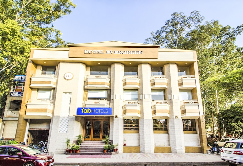FabHotel Evergreen, Zirakpur