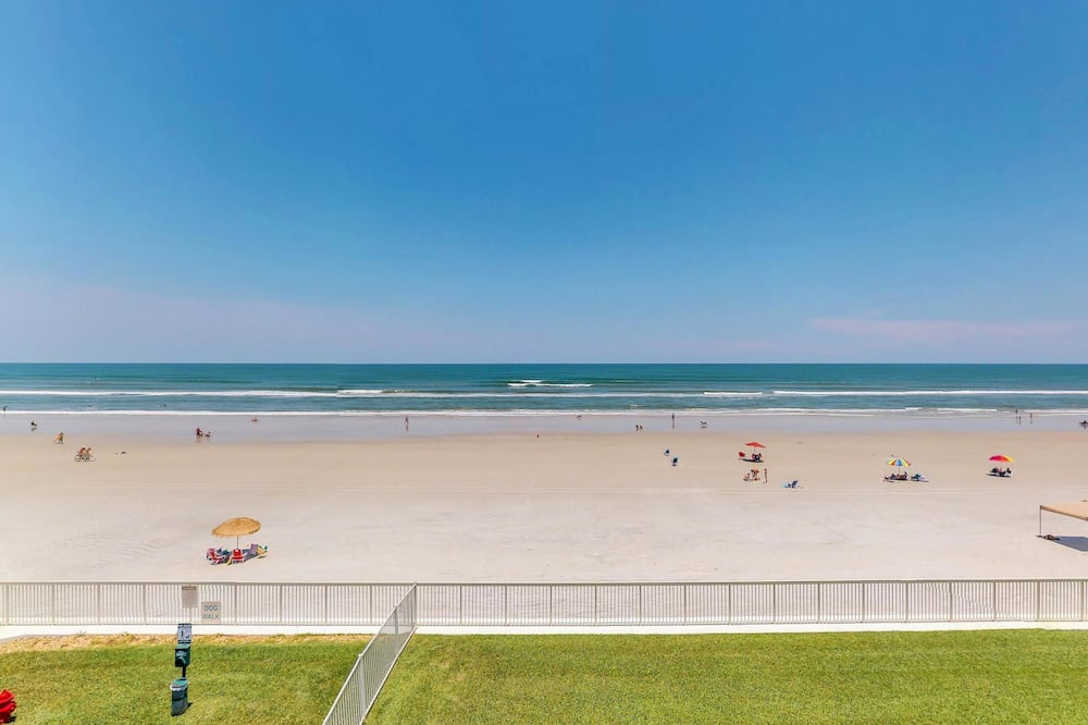 คอนโด, 2 ห้องนอน, สระว่ายน้ำส่วนตัว, วิวชายหาด (The Blue Dolphin) - ชายหาด