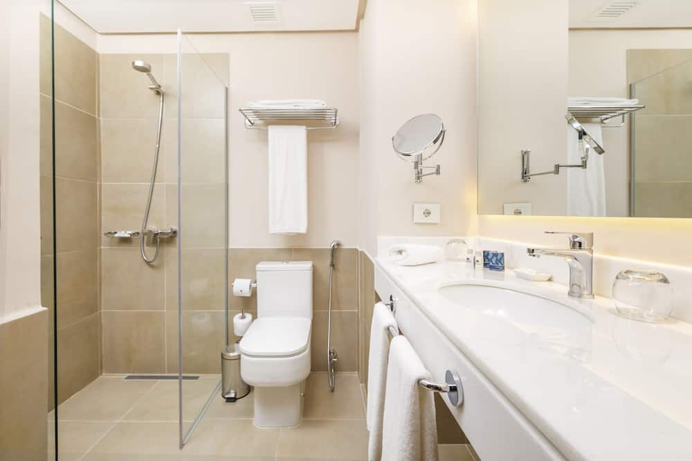 Premium Double Room, 1 King Bed, Non Smoking - Bathroom