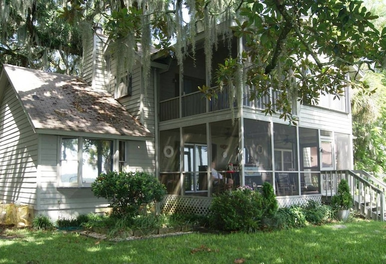 Chechessee River House Holiday home 4 BestStayz.1, Bluffton, House, Front of property
