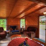Cottage dành cho gia đình (Bayside Cabin) - Khu phòng khách