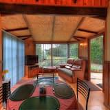 Cottage phong cách lãng mạn (Jetty Cabin) - Khu phòng khách