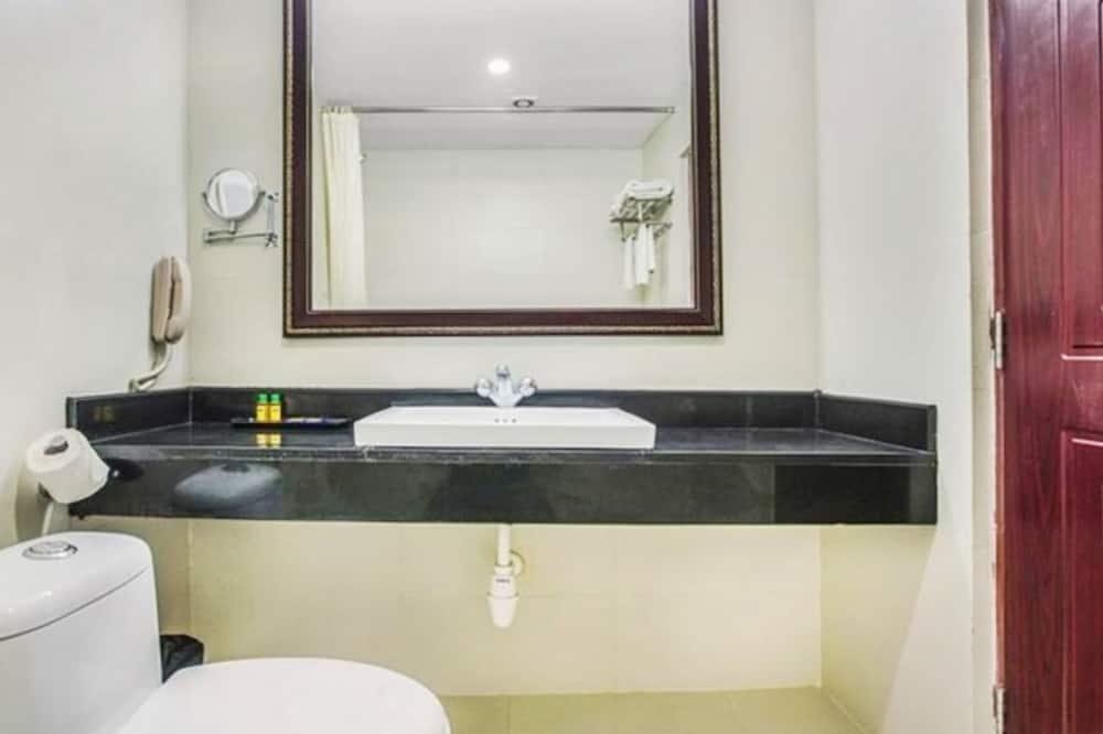 經濟雙床房 - 浴室