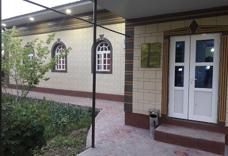 Guest house Sharofat ona, Khiva, Hotellin julkisivu