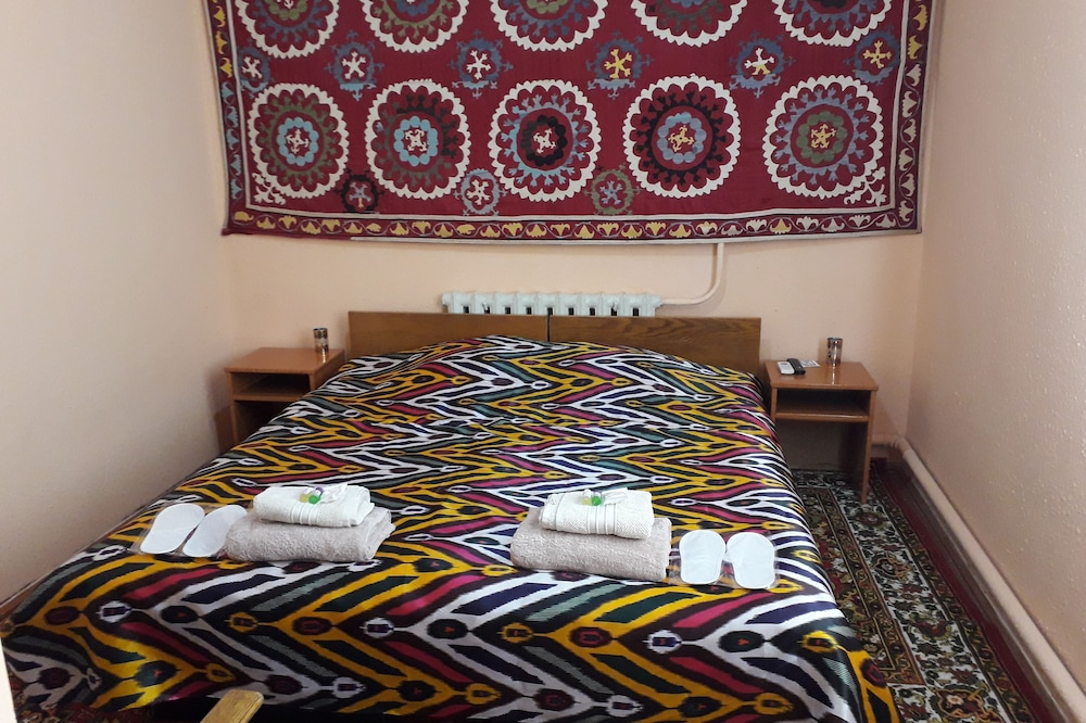 Guest house Sharofat ona