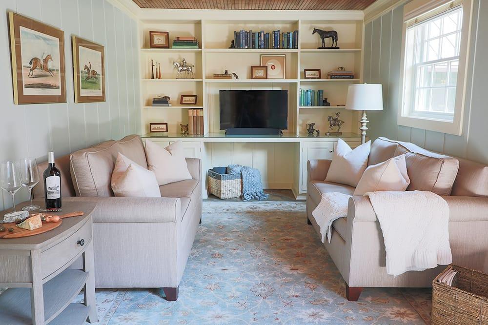 Luksusa numurs (The Stable) - Dzīvojamā istaba