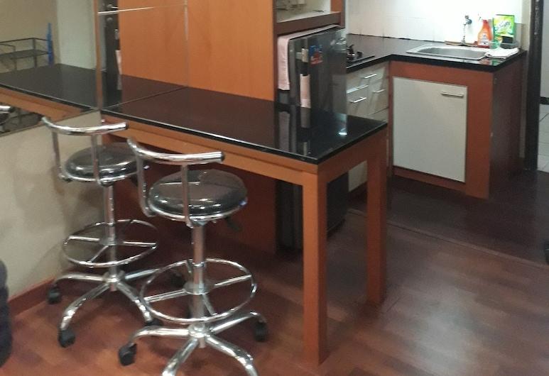Apartment The Suites Metro by Herlan, Bandung, Perusstudio, 1 parisänky, Tupakointi kielletty, Yksityinen keittonurkkaus