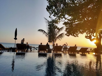 Picture of Horizon Beach Resort Koh Jum in Nuea Khlong