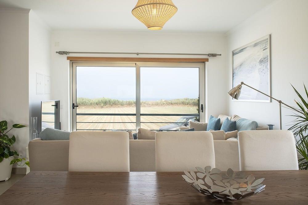 Dom, 5 spální, terasa, výhľad na more - Obývačka