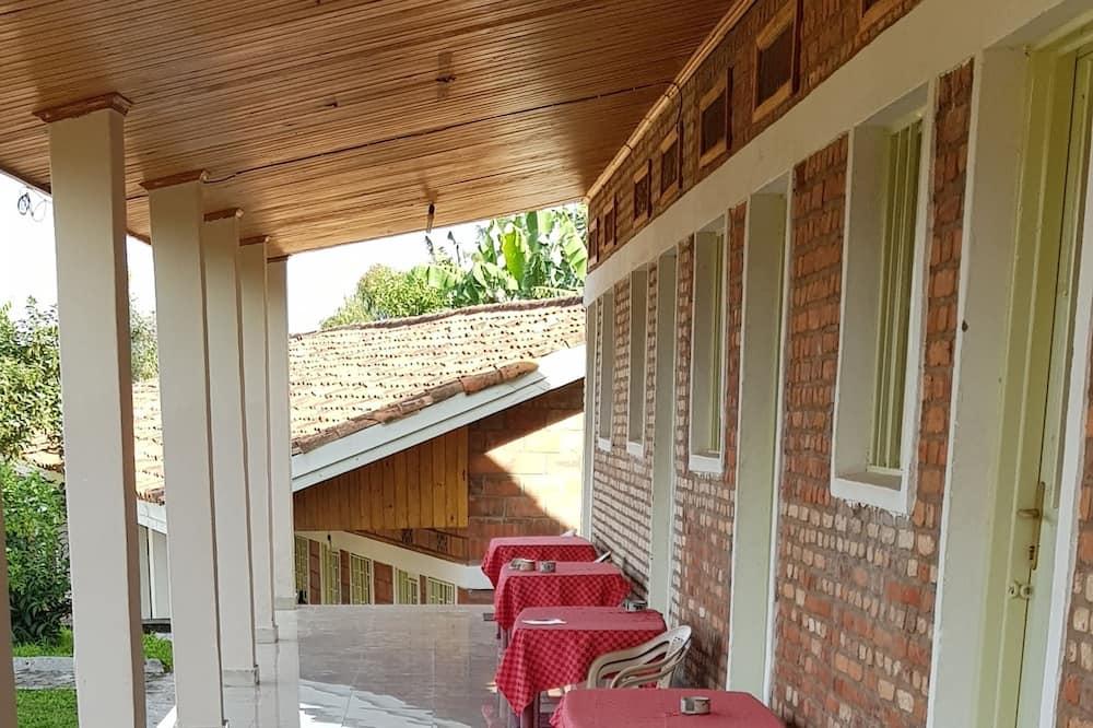 Chambre Confort, 1 grand lit - Balcon