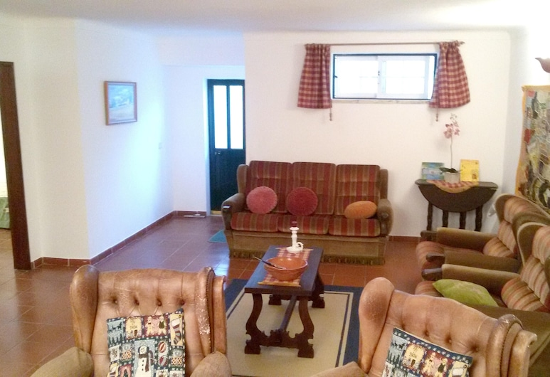 Apartment With 3 Bedrooms in Melides, With Wonderful sea View, Enclosed Garden and Wifi, Grandola, Living Room