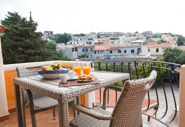 Micali, Orosei, Habitación triple, balcón, Balcón