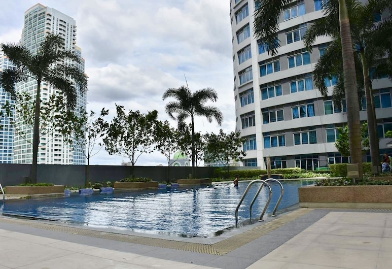 Eastwood Le Grand Tower 3, Quezon City, Pool