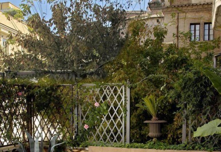 Hotel Lancelot, Rome, Terrace/Patio
