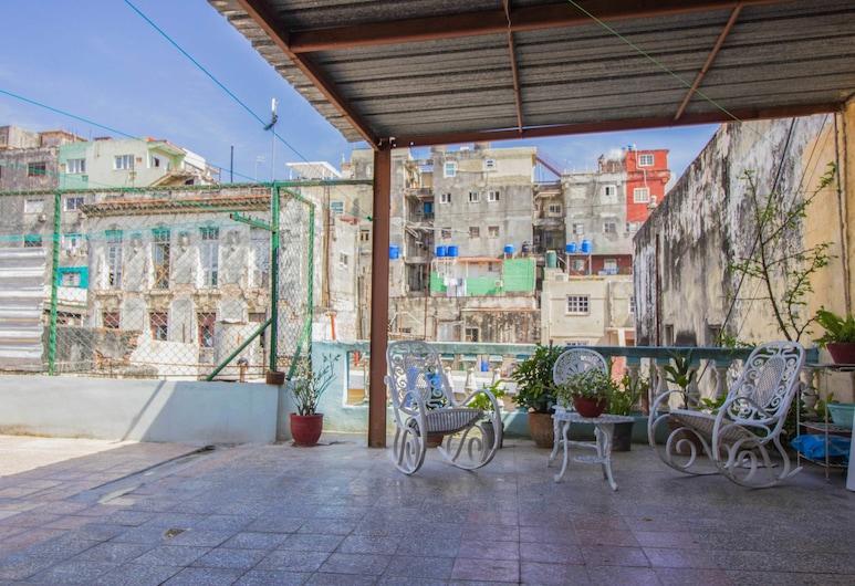 老哈瓦納卡洛斯青年旅舍之家酒店, 哈瓦那, 舒適雙人房, 1 張標準雙人床, 陽台