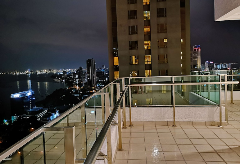 Mansion One 2 Bedroom Apartment, George Town