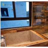 Двомісний номер «Делюкс», 1 двоспальне ліжко, для некурців, ванна - Ванна кімната