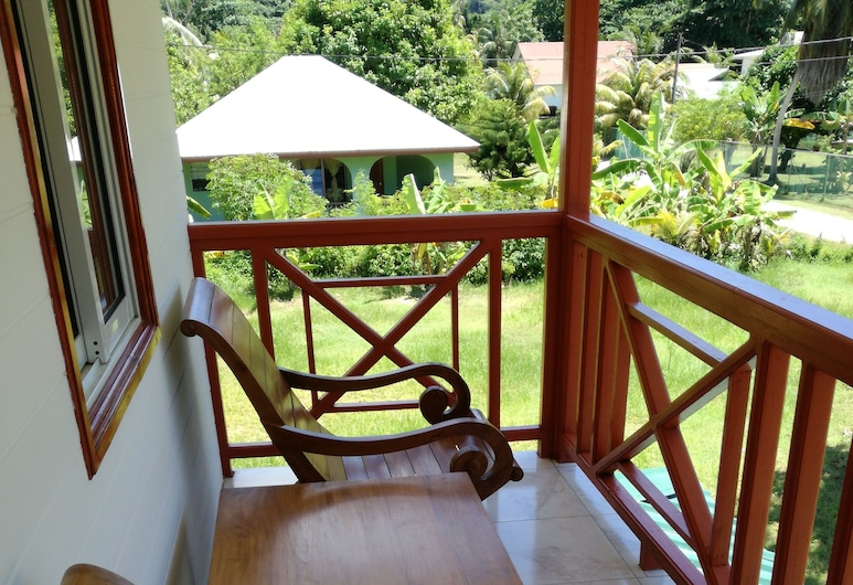 Lucy's guesthouse, La Digue, Basic Double Room, 1 Queen Bed, Non Smoking, Room