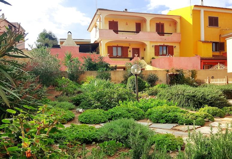 GardenHouse, Castelsardo, Have
