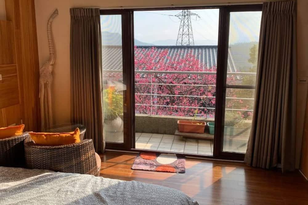 Elitinės klasės dvivietis kambarys (2 viengulės lovos), Nerūkantiesiems - Vaizdas iš svečių kambario
