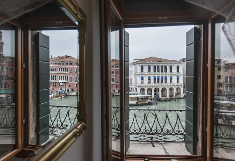 Magic Rialto, Venice, Classic Double Room, Shared Bathroom, Canal View (Grand Canal and Rialto), Guest Room View