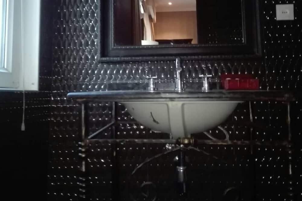 Chambre Simple Standard, 1 très grand lit, non-fumeurs - Salle de bain