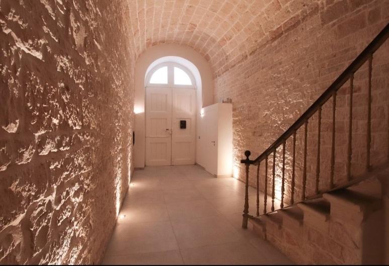 B&B il Castello, Giovinazzo, Interior Entrance