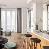 家庭公寓, 露台 - 起居室