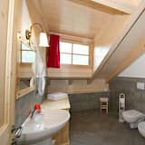 Dvoulůžkový pokoj, výhled na hory - Koupelna