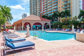 A(z) Intracoastal Yacht Club By Hosteeva hotel fényképe itt: Sunny Isles Beach